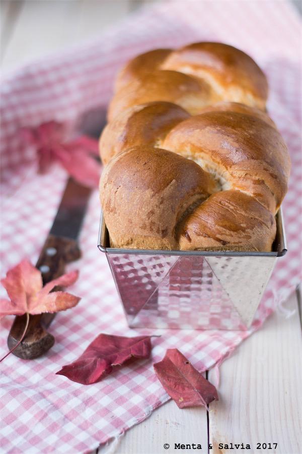 Pane al latte semidolce